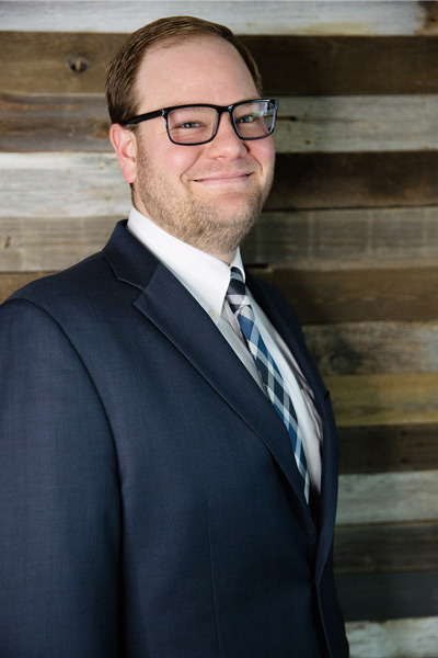 Corey Baures is a senior paralegal at JR Law Group. A Utah Valley University graduate with extensive litigation experience.
